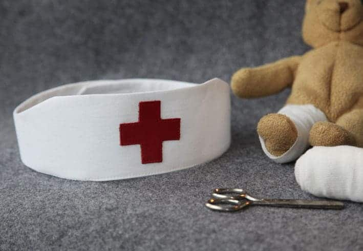 Krankenschwester macht es sich im nachtdienst finale - 1 part 4